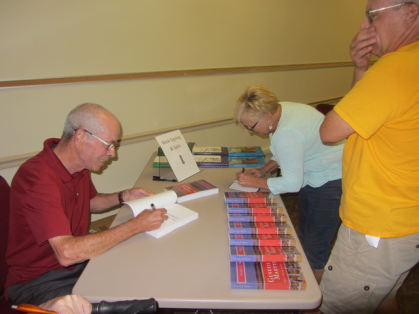 Book Signing 081318-1
